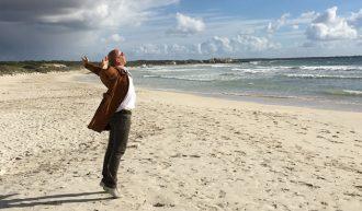 DAYDIVE - Add Happiness To Your Life - Scheiss auf die Existenzangst